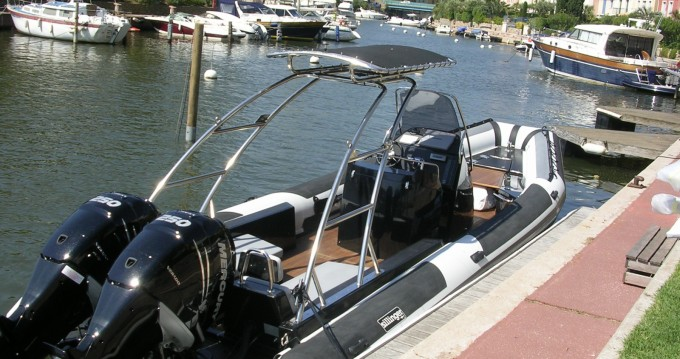 Boat rental Port Grimaud cheap Sillinger 905