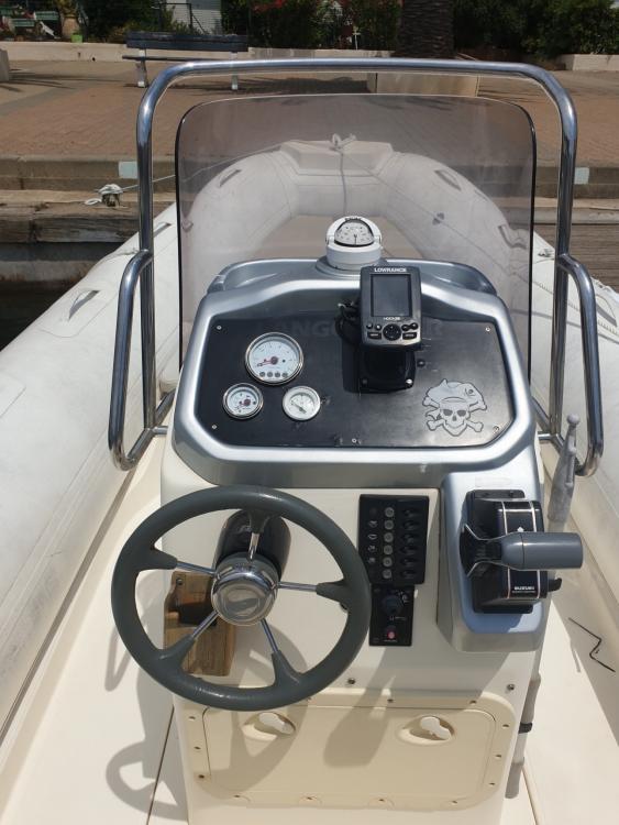 Boat rental Bwa Sport 22 GT in Gruissan on Samboat