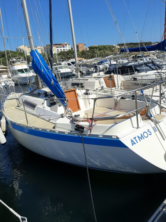 Boat rental  colvic 27 ufo 27 in Six-Fours-les-Plages on Samboat