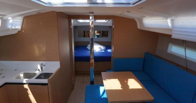 Rental Sailboat in Follonica - Jeanneau Sun Odyssey 440