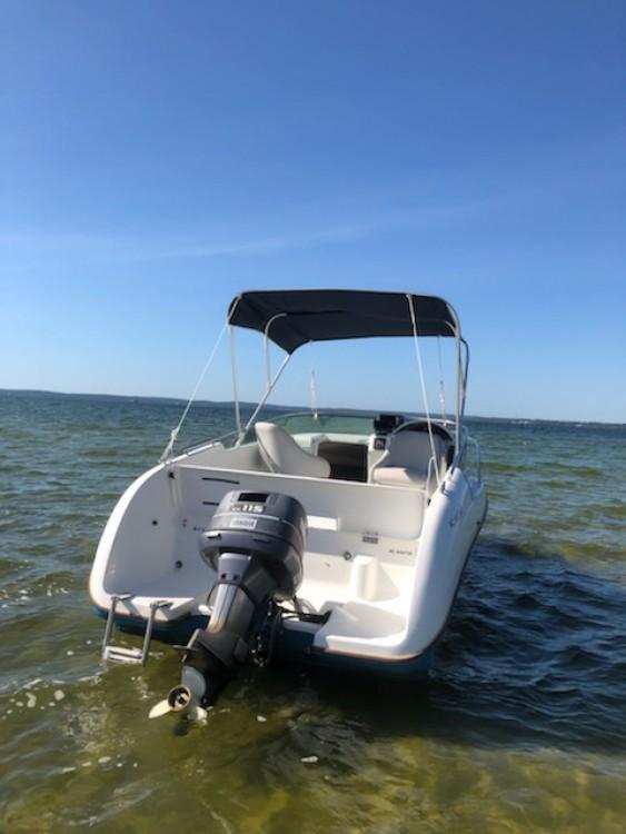 Hire Motorboat with or without skipper Bénéteau Sainte-Eulalie-en-Born