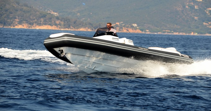 Rental yacht Le Lavandou - Renier Renier R9 Tourer on SamBoat