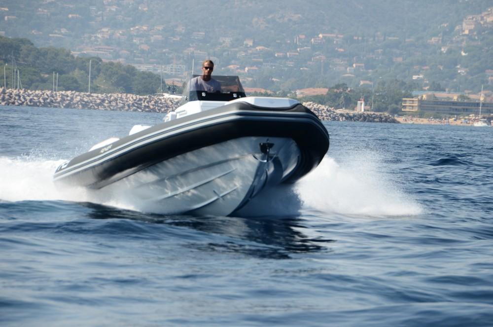Boat rental Le Lavandou cheap Renier R9 Tourer