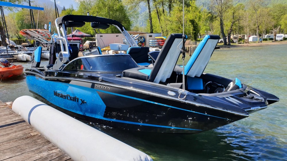 Motorboat for rent Doussard at the best price