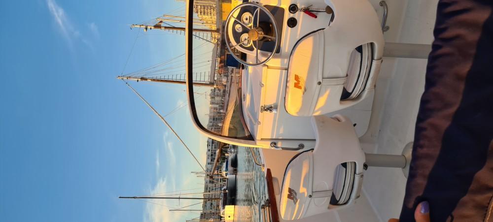 Rental Motorboat in Pérols - Quicksilver Quicksilver 630 Commander