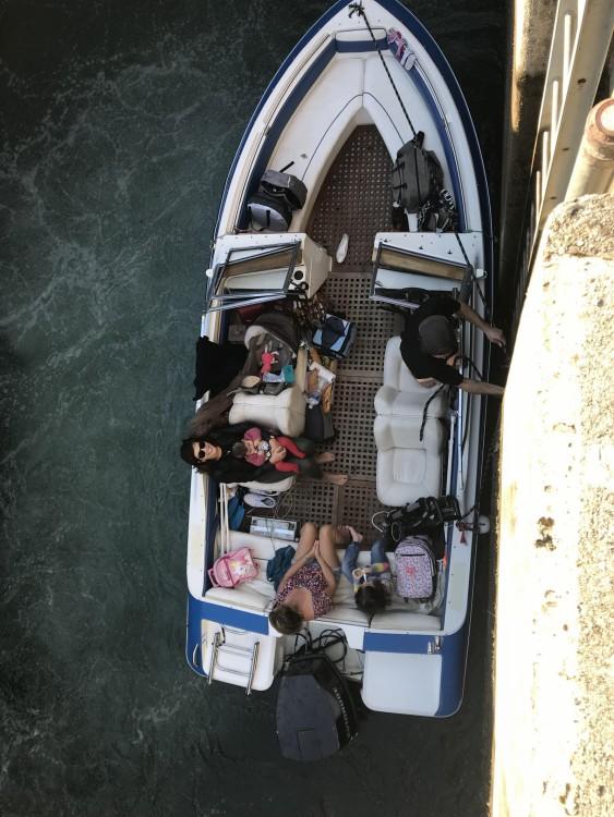 Boat rental Annecy cheap escape