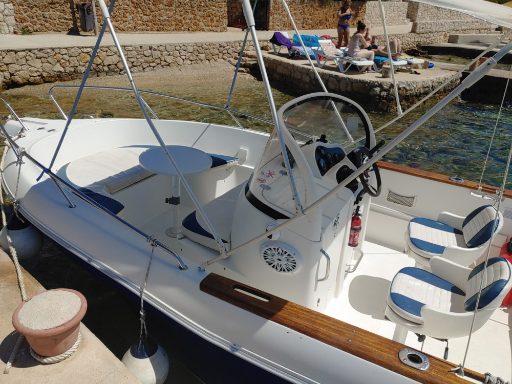 Rental yacht Stara Novalja - Quicksilver Quicksilver 630 Commander on SamBoat