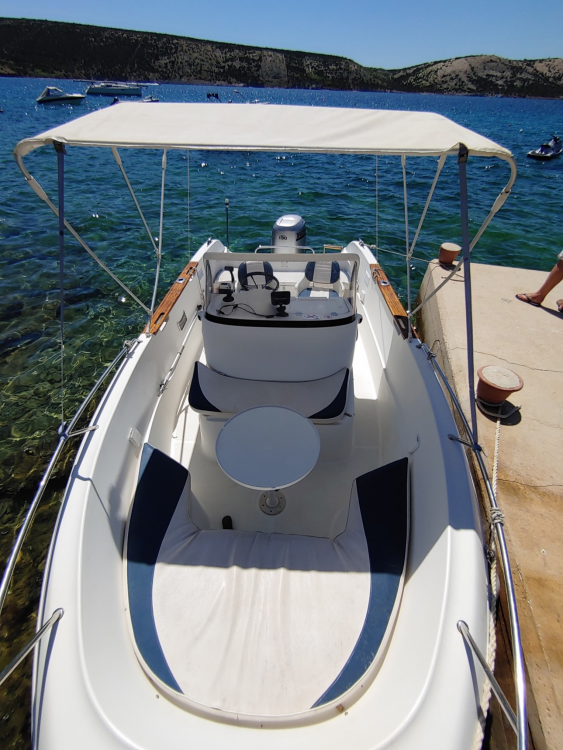 Boat rental Quicksilver Quicksilver 630 Commander in Stara Novalja on Samboat
