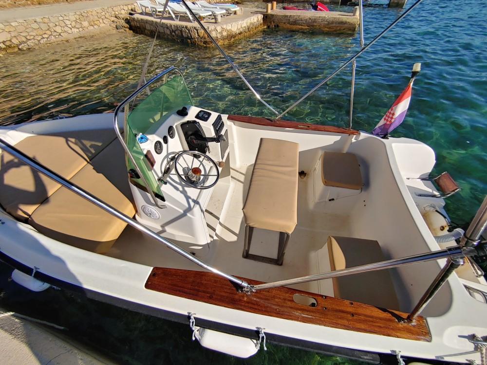 Rental Motorboat in Stara Novalja - Elan Elan 17 CC