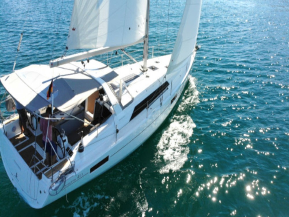 Bénéteau Oceanis 411 between personal and professional Pula