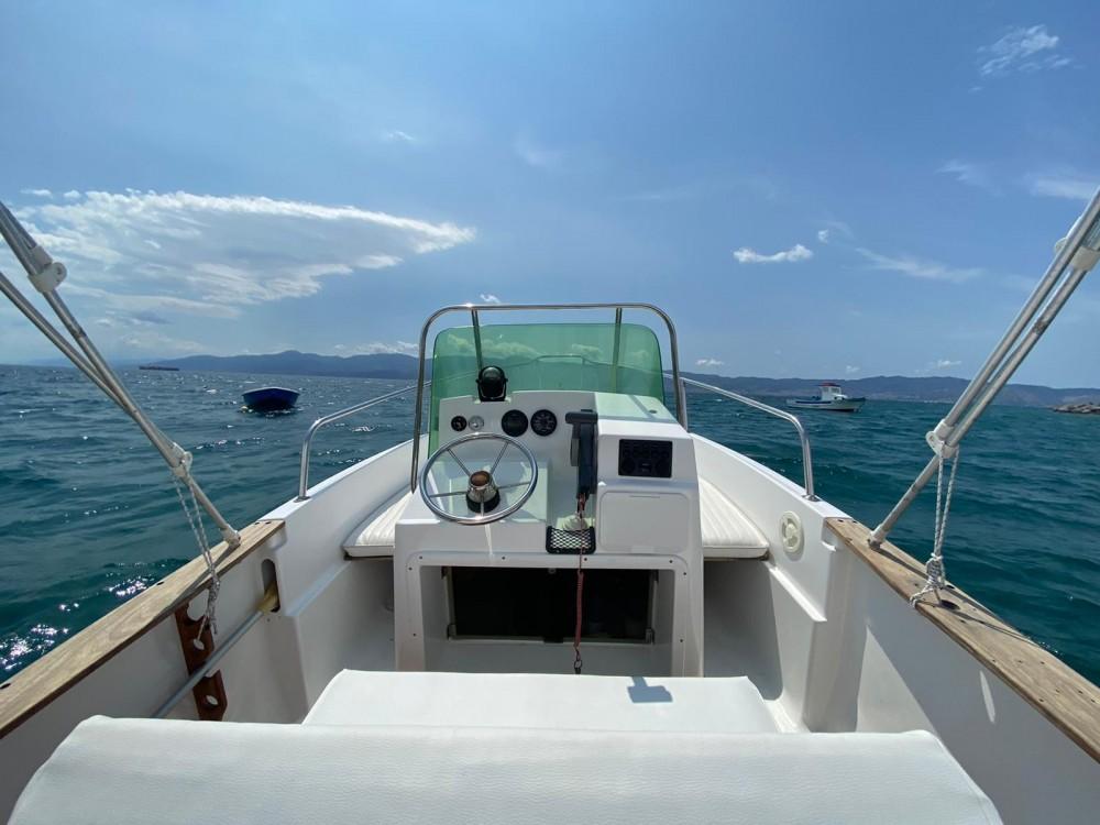 Boat rental  cheap Elan 17 CC