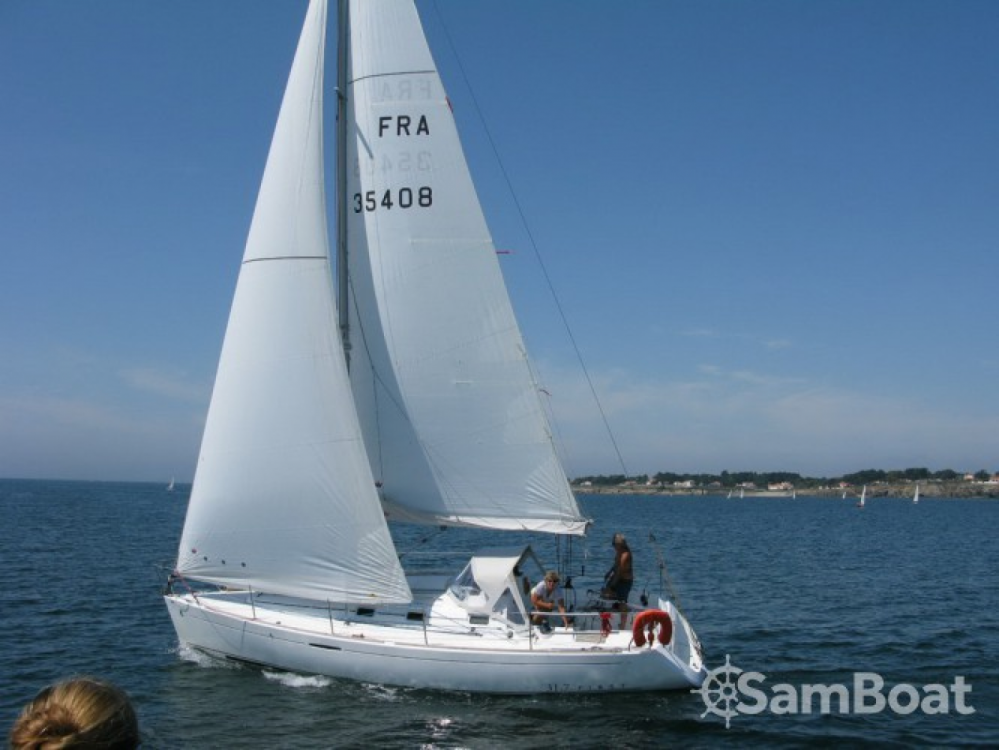 Hire Sailboat with or without skipper Bénéteau Port du Crouesty
