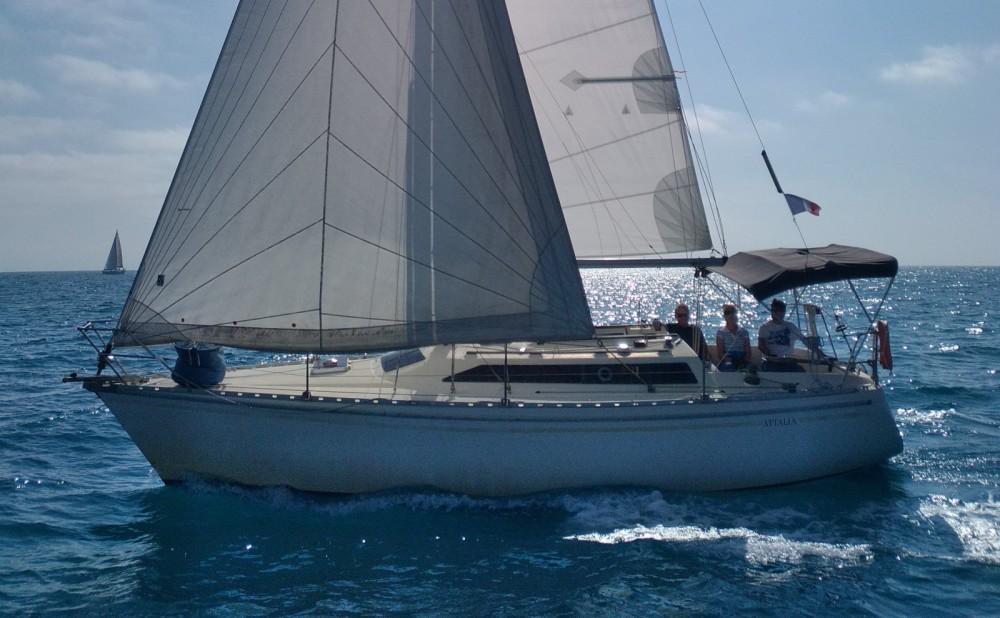 Rental yacht Montpellier - Jeanneau Attalia 32 on SamBoat