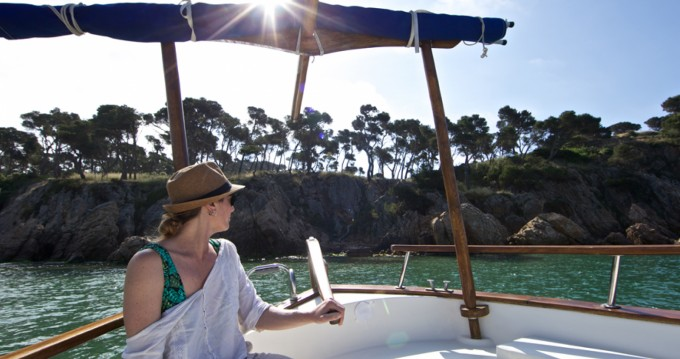 Hire Motorboat with or without skipper Menorquin Palamós