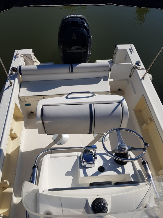 Boat rental Hyères cheap White Shark 225