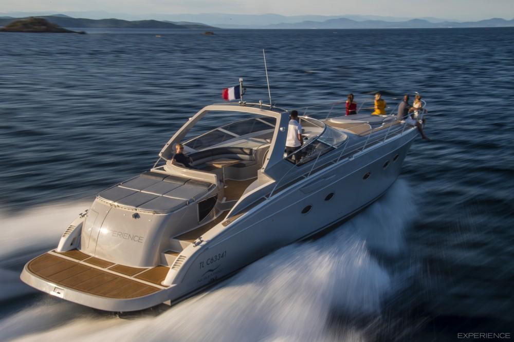 Boat rental Saint-Tropez cheap 52S