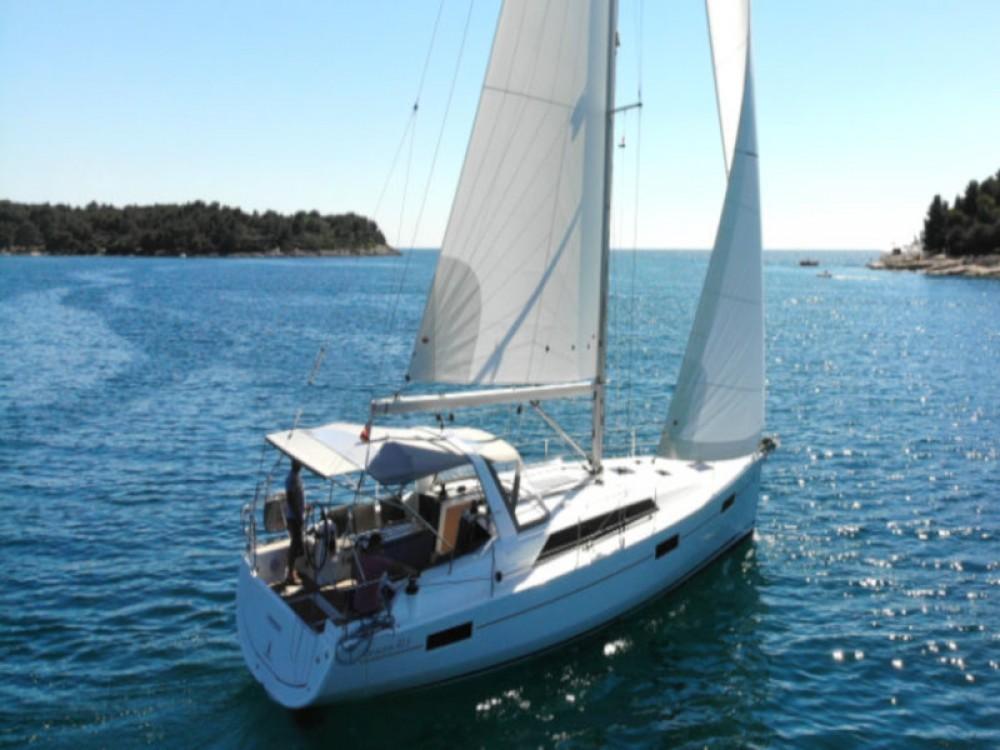 Rental Sailboat in Pula - Bénéteau Oceanis 411