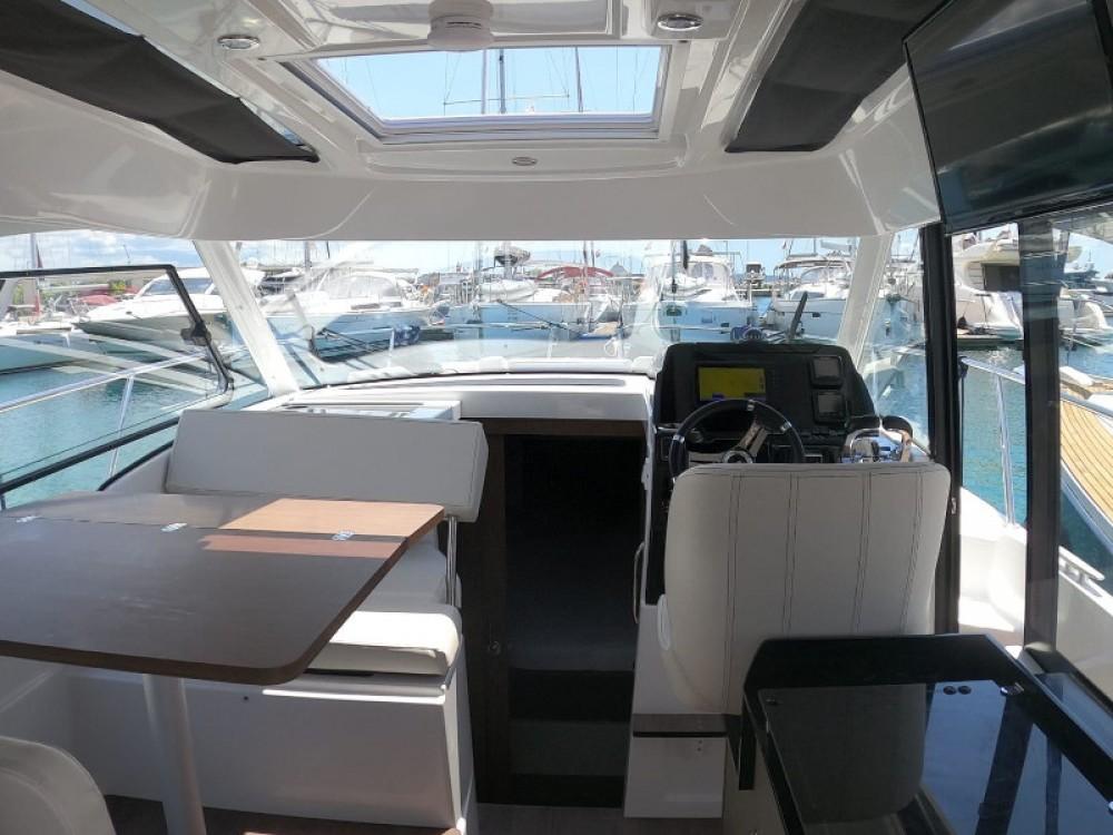 Bénéteau Antares 9 OB between personal and professional Grad Zadar