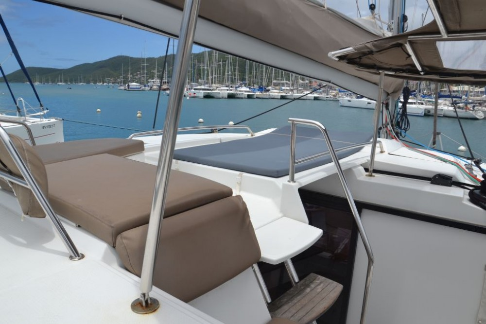 Fountaine Pajot Helia 44 between personal and professional Saint Martin (France)
