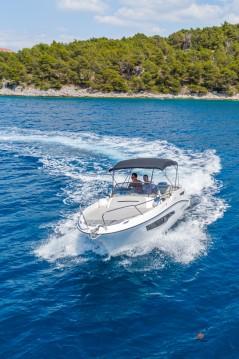 Rental Motorboat in Split - Karnic 652