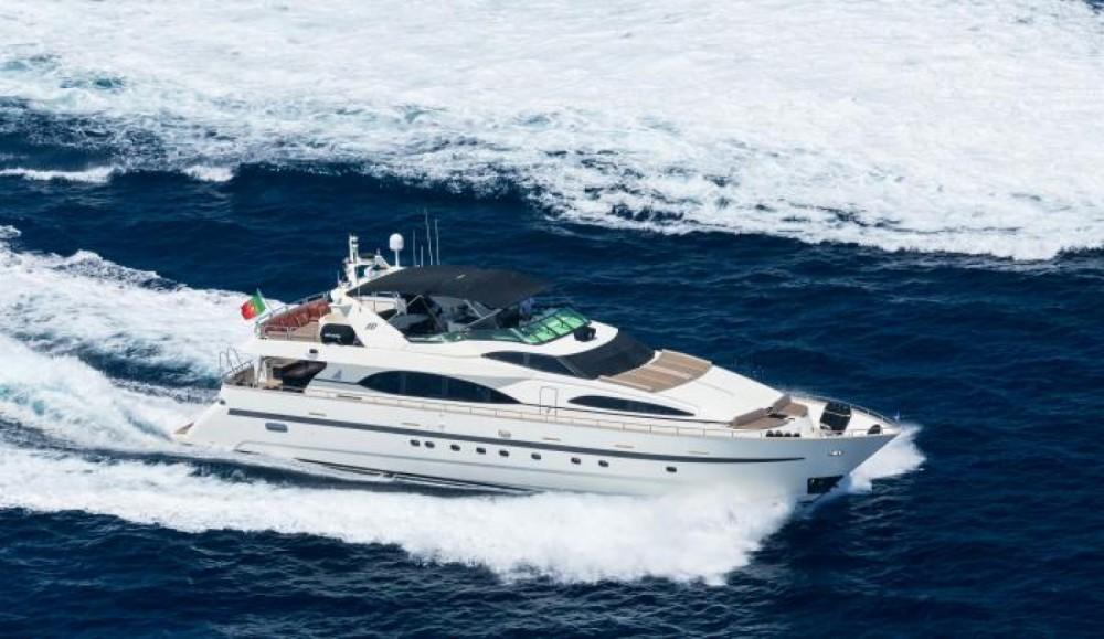 Rental yacht Cannes - Azimut Azimut 100 on SamBoat