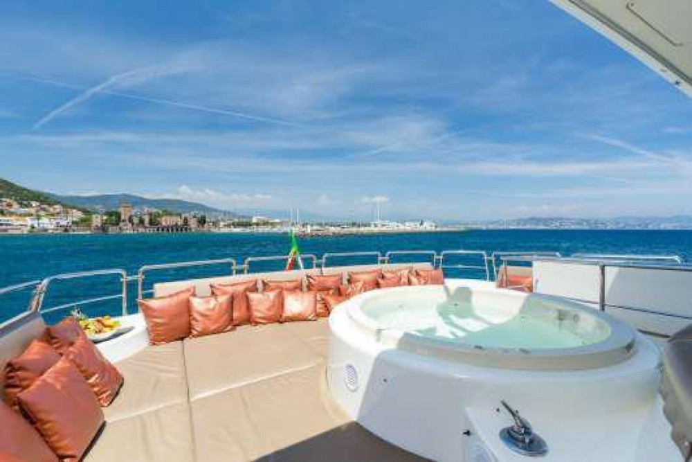 Boat rental Cannes cheap Azimut 100