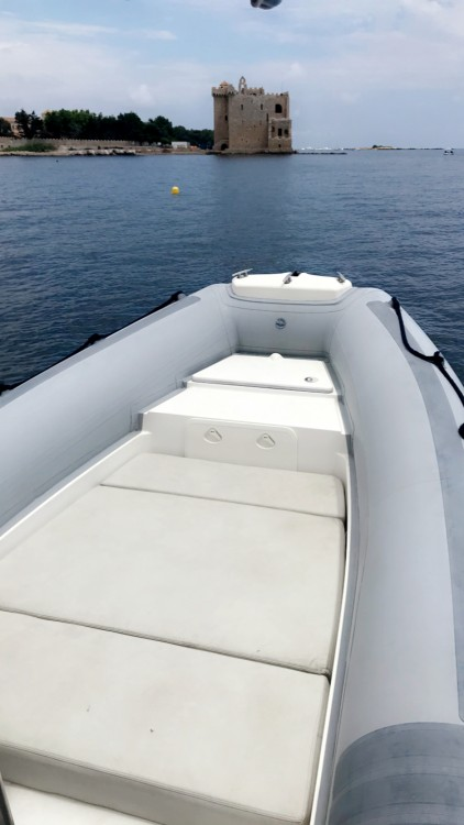 Boat rental Cannes cheap Seven Fifty