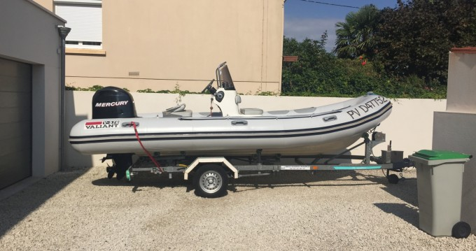 Rental yacht Sainte-Maxime - Valiant DR 570 on SamBoat