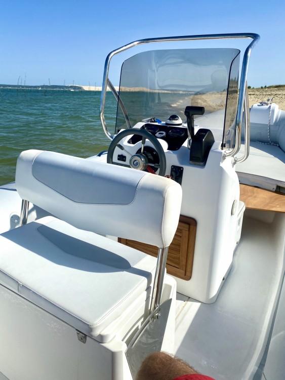 Boat rental Capelli Tempest 626 in Lège-Cap-Ferret on Samboat