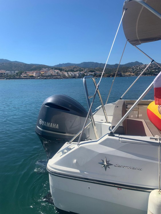 Boat rental Jeanneau Cap Camarat 7.5 WA Serie 2 in Saint-Cyprien on Samboat