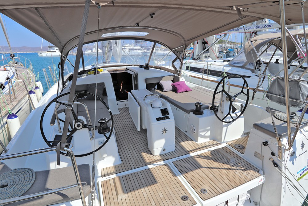 Jeanneau Sun Odyssey 440 between personal and professional Peloponnese