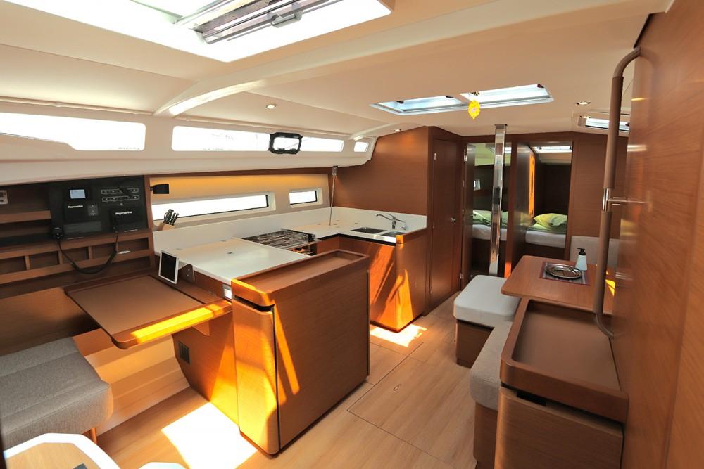 Rental Sailboat in Peloponnese - Jeanneau Sun Odyssey 440