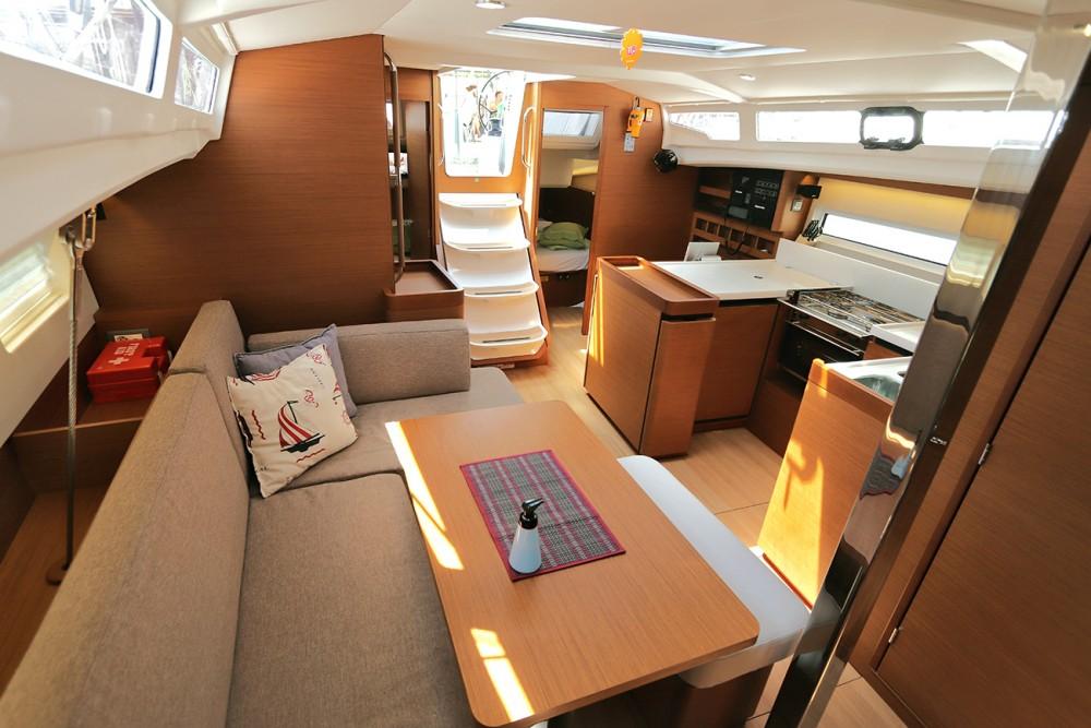 Boat rental Peloponnese cheap Sun Odyssey 440