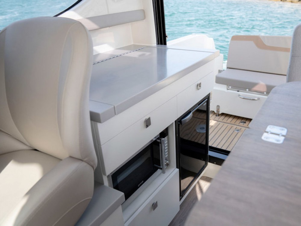 Boat rental Quicksilver Quicksilver Activ 905 Weekend in Kärnten on Samboat
