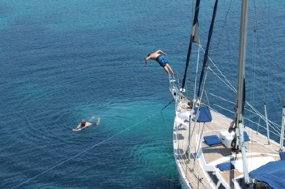 Boat rental Áno Sýros cheap Atlantic 60
