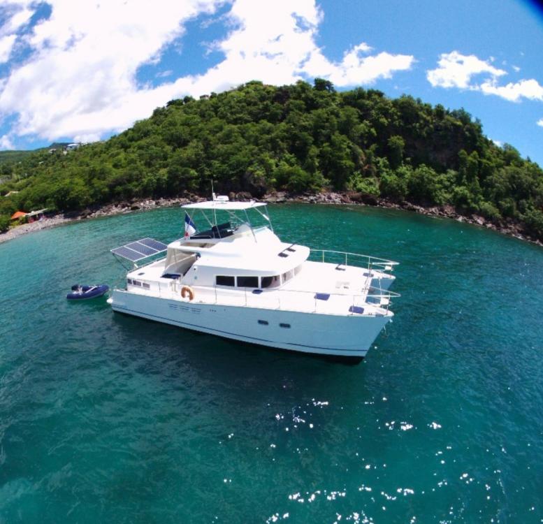 Rental yacht Basse-Terre - Lagoon Lagoon 43 Power on SamBoat