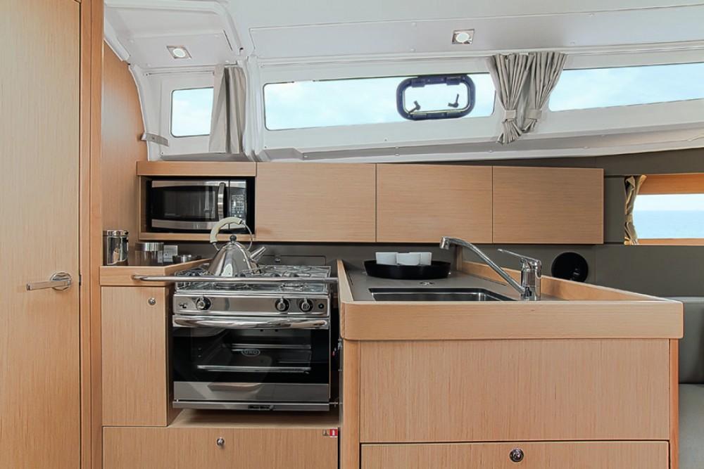Rental yacht Torroella de Montgrí - Bénéteau Oceanis 35.1 on SamBoat