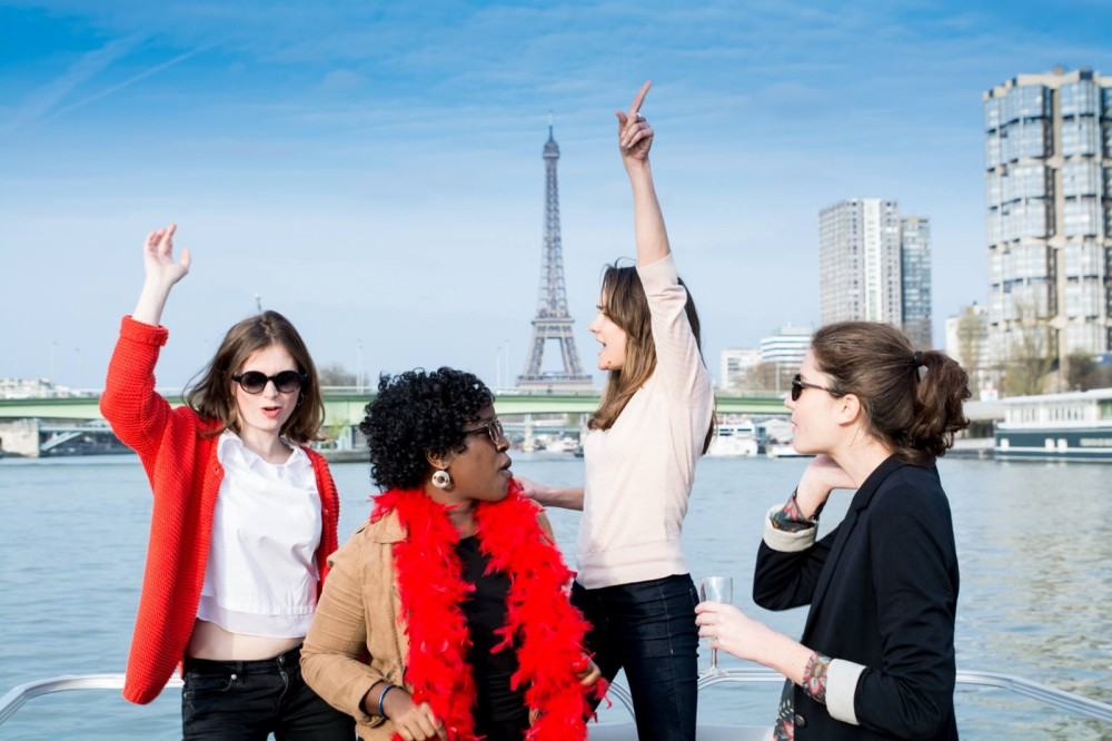 Boat rental Paris cheap Party barge