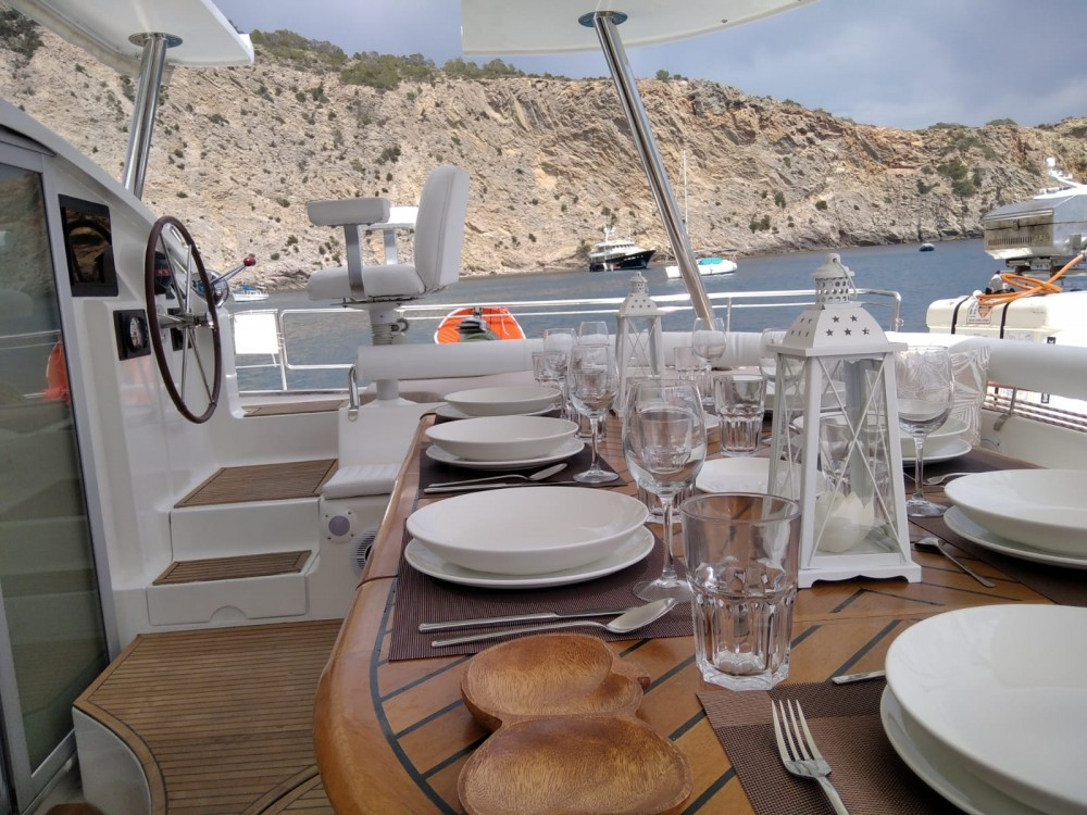 Rent a Fountaine Pajot Marquises 56 Ibiza