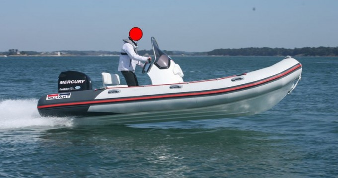 Rental Motorboat Valiant with a permit