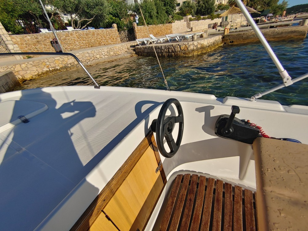 Hire Motorboat with or without skipper Adria Stara Novalja
