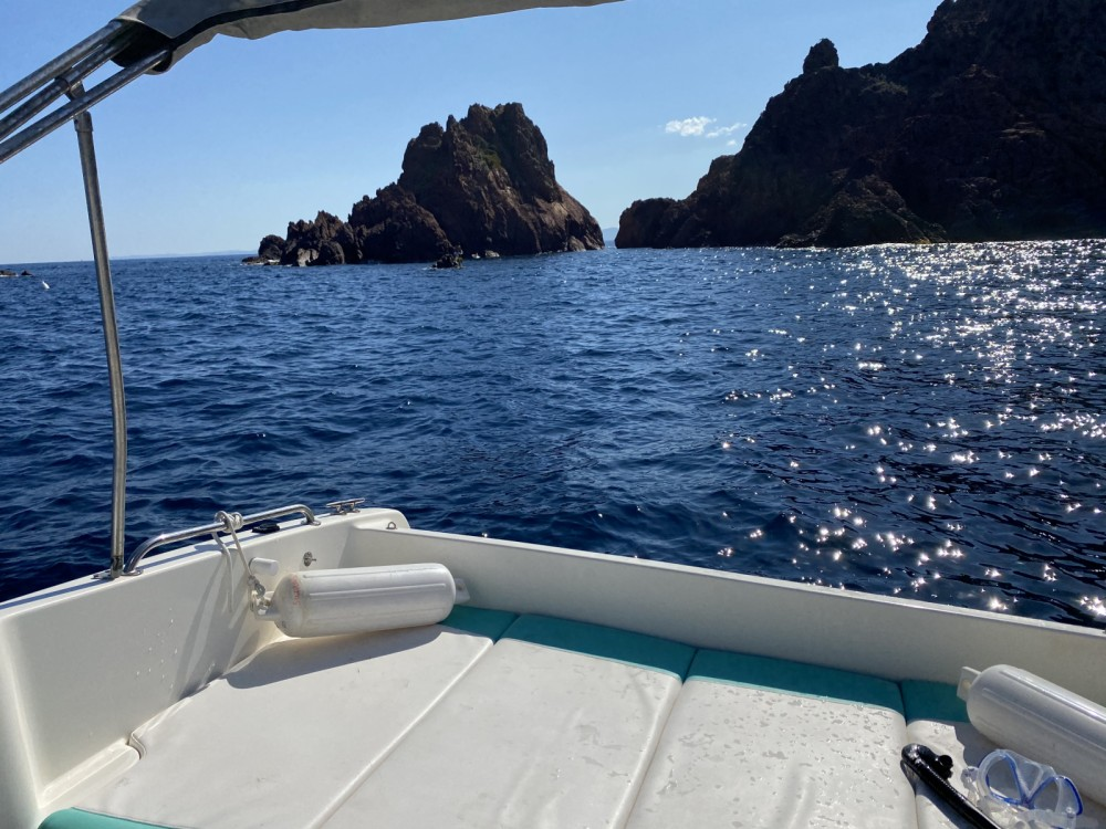 Motorboat for rent Saint-Raphaël at the best price