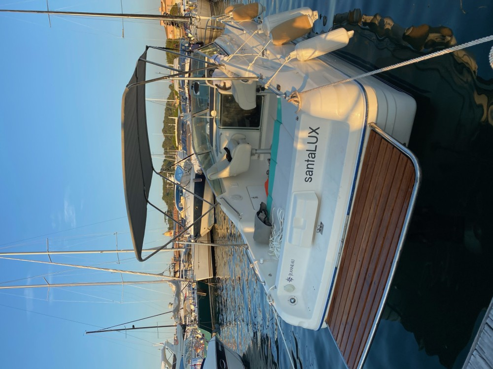 Rental yacht Saint-Raphaël - Jeanneau Leader 705 on SamBoat