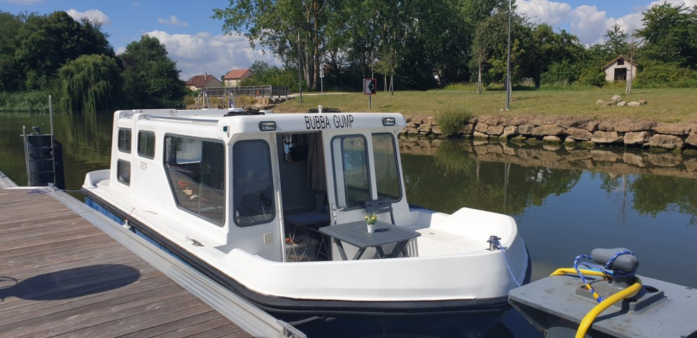Rental Motorboat Espade with a permit