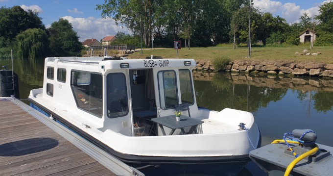 Motorboat for rent Cattenom at the best price