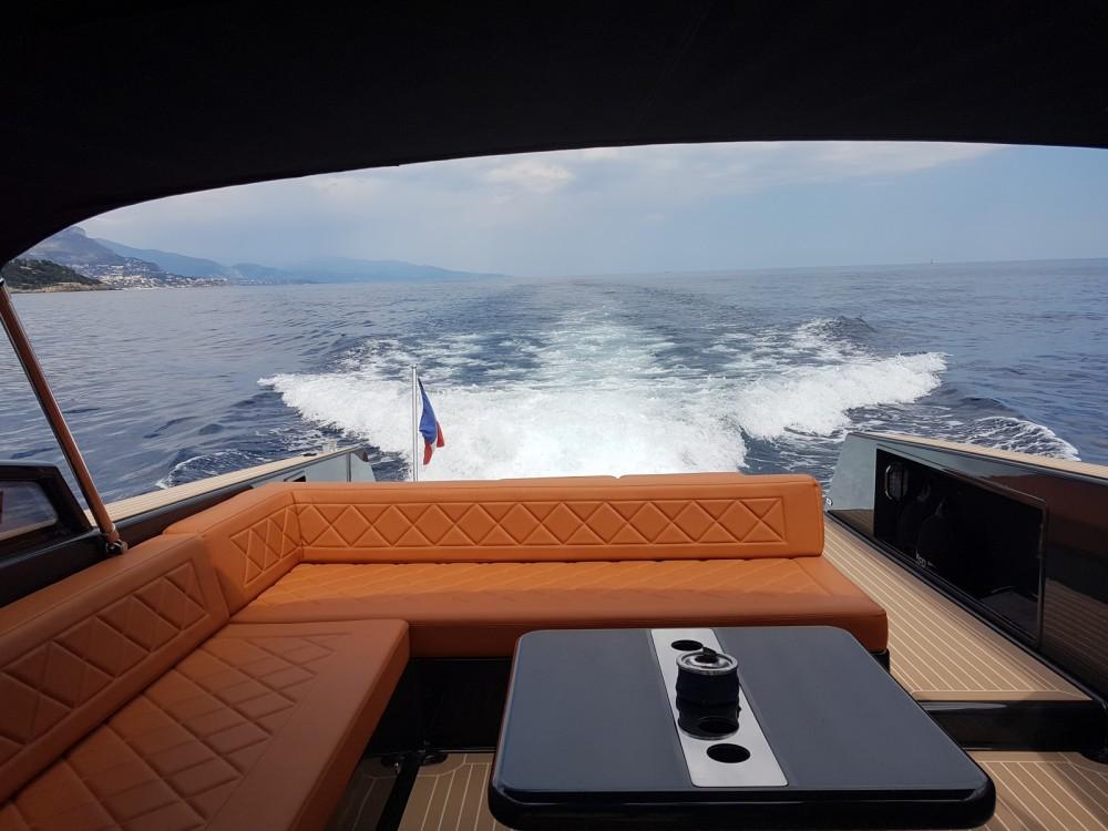 Rental Motorboat in Saint-Jean-Cap-Ferrat - VanDutch VanDutch 40