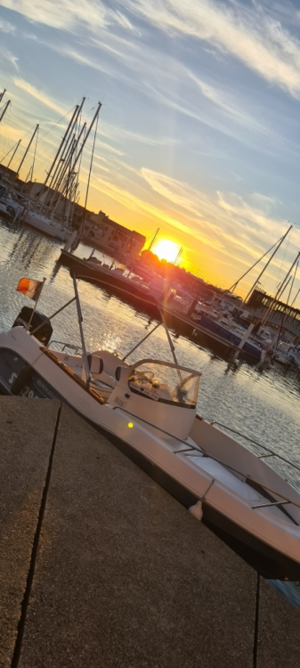 Boat rental Pérols cheap Quicksilver 630 Commander
