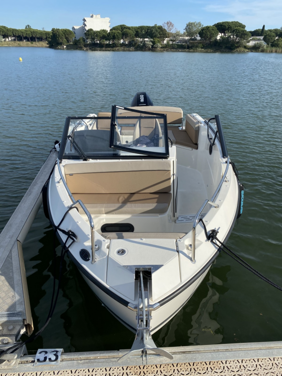 Rental Motorboat in La Grande-Motte - Quicksilver Activ 675 Open Smart Pack