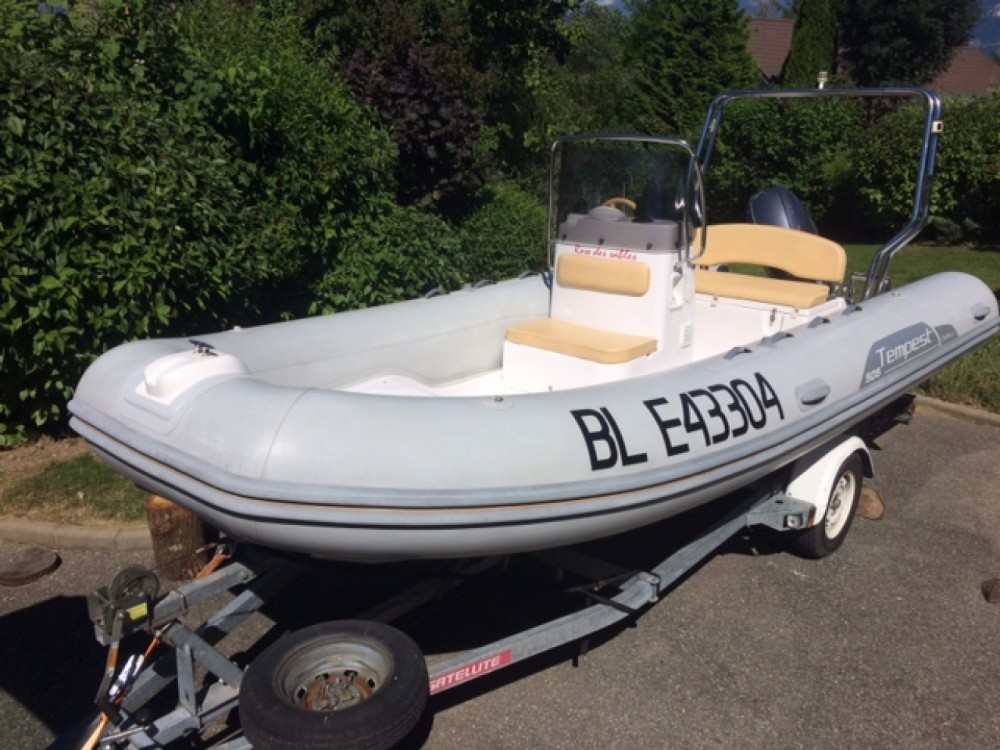 Boat rental Capelli 5.05m in Annecy on Samboat