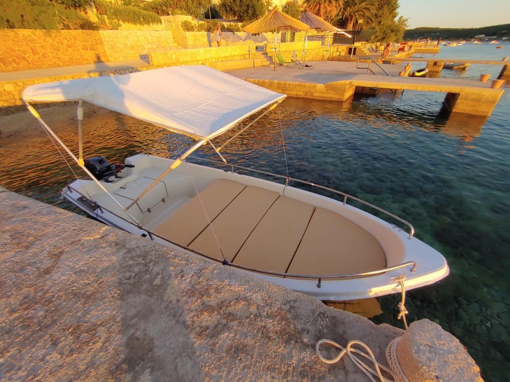Boat rental pasara 430 6 in Stara Novalja on Samboat